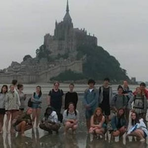 kids on an exchange trip to France